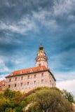 Middeleeuwse Kasteeltoren in Cesky Tsjechische Krumlov, royalty-vrije stock fotografie