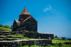 Middeleeuwse kerk op meer Sevan Royalty-vrije Stock Afbeelding