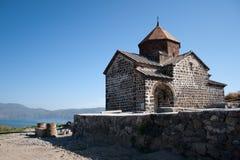 Middeleeuwse kerk op Sevan meer, Armenië Royalty-vrije Stock Foto