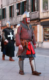 Middeleeuwse mens in pantser Royalty-vrije Stock Foto