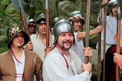 Middeleeuwse militairen bij een gebeurtenis in Tsjechische Republiek Royalty-vrije Stock Afbeeldingen
