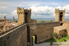 Middeleeuwse Montalcino-Vesting in Val D ` Orcia, Toscanië, Italië royalty-vrije stock foto