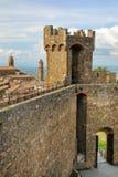 Middeleeuwse Montalcino-Vesting in Val D ` Orcia, Toscanië, Italië stock foto's