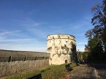 Middeleeuwse Muren en toren Stock Foto's