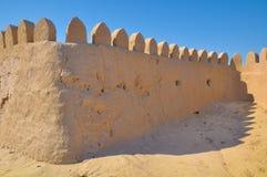 Middeleeuwse muren van klei met tanden Stock Afbeelding