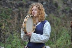 Middeleeuwse musicus met een tamboerijn Stock Foto