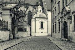 Middeleeuwse oude stad in Bratislava, Slowakije Stock Fotografie