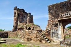 Middeleeuwse ruïnes Stock Afbeeldingen