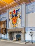 Middeleeuwse ruimte van Stirling Castle met haard en muurdecoratie royalty-vrije stock fotografie