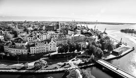 Middeleeuwse stad en de golf Royalty-vrije Stock Foto's