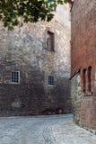 Middeleeuwse steeg in de oude stad Stock Foto's