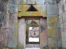 Middeleeuwse Steendeuropening in Prasat Muang Tam Temple Complex, Buriram-Provincie Royalty-vrije Stock Foto's