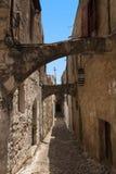 Middeleeuwse straat van ridder Griekenland Het eiland van Rhodos Oude Stad Straat van de Riddersfoto (nu Ambassadestraat) Grieken Royalty-vrije Stock Fotografie