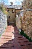 Middeleeuwse Straat van San Gimignano, Toscanië Stock Afbeeldingen