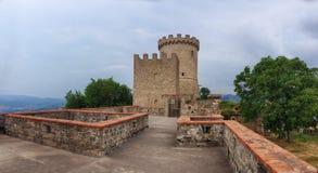 Middeleeuwse toren van Castelnuovo Cilento, Italië stock foto's