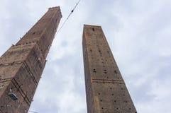 Middeleeuwse torens in Bologna Stock Afbeeldingen