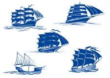 Middeleeuwse varende schepenpictogrammen Stock Foto