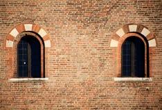 Middeleeuwse vensters, architectuurdetails Royalty-vrije Stock Foto's