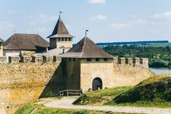 Middeleeuwse vesting in de Khotyn-stads West-Oekraïne Royalty-vrije Stock Afbeelding