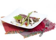 Middelgroot zeldzaam geroosterd Rundvleeslapje vlees Stock Afbeelding