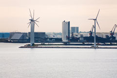 Middelgrunden - azienda agricola di vento in mare aperto vicino a Copenhaghen fotografia stock
