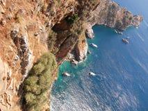 Middellandse Zee, bergen en rots in Alanya (land Turkije) Royalty-vrije Stock Afbeelding
