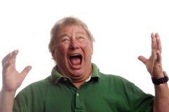 Midden leeftijds het hogere mens emotionele gillen in schok Stock Foto