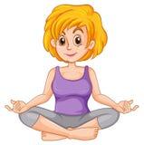 Midden oude vrouw die yoga doen Stock Afbeelding
