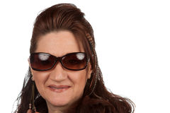 Midden Oude Vrouw met Zonnebril Stock Afbeeldingen