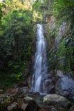Middenval van Ng Tung Chai Waterfalls in Hong Kong Stock Fotografie