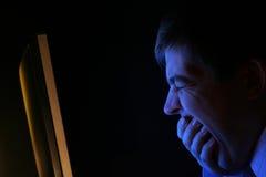 Middernacht in het bureau Royalty-vrije Stock Afbeeldingen