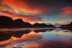 Middernacht in het noordpoolgebied Stock Fotografie