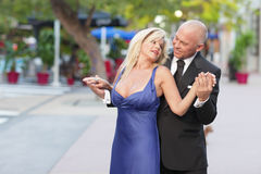 Middle aged couple dancing Royalty Free Stock Photography