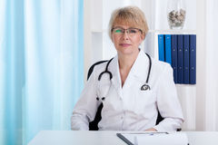 Middle aged female doctor Royalty Free Stock Photography