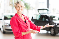 Middle aged saleswoman Royalty Free Stock Photo