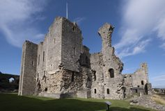Middleham Castle, Middleham, North Yorkshire, UK. 2nd October 2018 The magnificent ruin of Middlham was once the home of Richard t stock images
