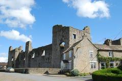 Middleham slott, North Yorkshire Arkivbild