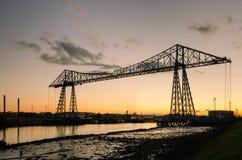 Middlesbrough-Ladebrücke an der Dämmerung Stockfotografie