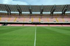 Midfield no estádio de futebol Imagens de Stock