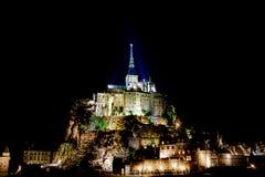 Midnatta Mont Saint Michel Royaltyfria Foton