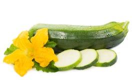 Midollo verde affettato con il fiore e la foglia Immagine Stock Libera da Diritti