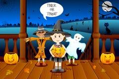 Miúdos no traje de Halloween Foto de Stock Royalty Free