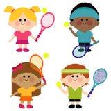 Miúdos que jogam o tênis Foto de Stock