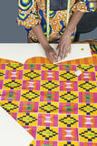 Midsection żeński projektanta mody ocechowania wzór z kredą na tkaniny tkaninie Obrazy Stock