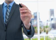 Midsection biznesmena writing na ekranie Obraz Stock