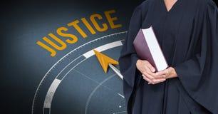 Midsection sędziego mienia książka przeciw sprawiedliwość zegarowi Zdjęcia Royalty Free