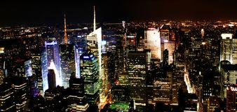 Midtown Manhattan la nuit, New York images stock