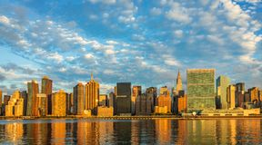 Midtown Manhattan no nascer do sol, New York, EUA fotografia de stock