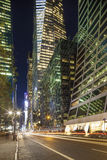 Midtown Manhattan: Rascacielos, calle, gente Fotografía de archivo libre de regalías
