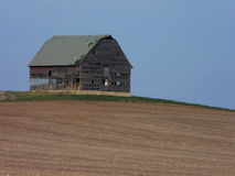 Midwestern Barn. Old abandoned barn on a rare hill in Illinois stock photography